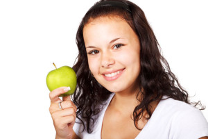 girl-with-green-apple