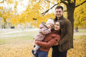 happy-fall-family
